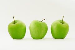 Trois pommes vertes Images libres de droits