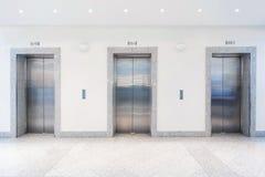 Portes dans l'ascenseur Photographie stock libre de droits