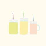 Trois pots de maçon différents avec des smoothies Photo stock