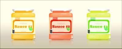 Trois pots en verre avec différentes sauces Image stock
