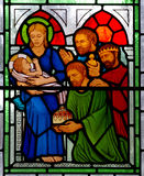 Trois rois rendant visite au bébé Jésus Photographie stock