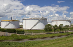 Trois silos de pétrole Photo libre de droits