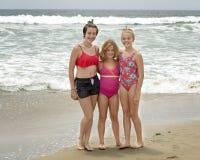 Trois soeurs sur la plage de mission Photo stock