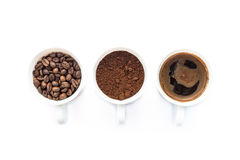 Trois tasses de différentes étapes de préparer le café Photo stock
