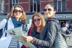 Trois touristes féminins Photo stock