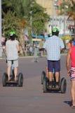 Trois touristes sur un Segway à Nice, Frances Photos libres de droits