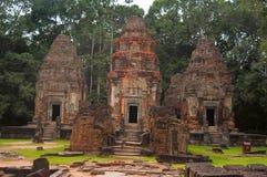 Trois tours, Prasat Preah Ko, le boeuf sacré, Roluos, Cambodge Vers le 9ème siècle en retard Image stock