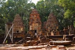 Trois tours, Prasat Preah Ko, le boeuf sacré, Roluos, Cambodge Vers le 9ème siècle en retard Images stock