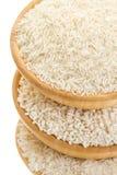 Trois types de riz dans un plan rapproché en bois de cuvette Photographie stock