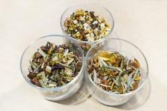 Trois types de thé de fines herbes de fruit images libres de droits