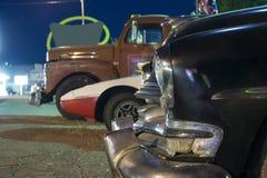 Trois vieilles voitures américaines dans une rangée Photos stock
