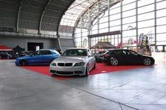 Trois voitures accordées : BMW 3, Subaru Impreza et Audi A3 Images stock