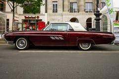 Troisième génération de luxe personnel de Ford Thunderbird de voiture, 1963 Images libres de droits