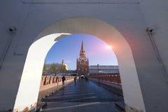 Troitskayatoren van Moskou het Kremlin, Rusland Stock Foto's
