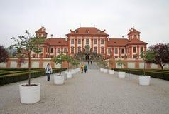 Troja slott i Prague, Tjeckien Royaltyfri Bild