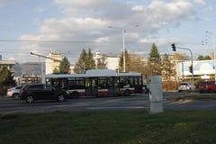 Troleb?s en la calle en Banska Bystrica fotografía de archivo libre de regalías
