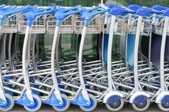 trolleys för flygplatsbagagerad Arkivbild