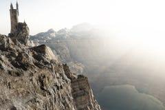 Trollkarltornet som är högt ovanför bergen, kantar att förbise en sjö Illustration för tolkning för fantasibegrepp 3d Royaltyfri Illustrationer