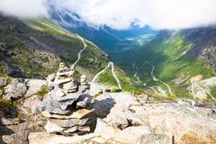 Trollstigen山路 在挪威旅行期间的图片 意想不到的风景 库存照片