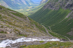 Trollstigen, νορβηγικός εθνικός δρόμος RV63 Στοκ Εικόνες