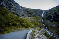 Trollstigen - bergweg in Noorwegen Royalty-vrije Stock Foto's