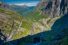 Trollstigen, senda para peatones del duende, camino de la montaña, Noruega Fotografía de archivo libre de regalías