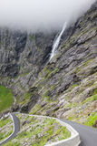 Trollstigen, Troll μονοπάτι, ελικοειδής δρόμος βουνών σε Norwa Στοκ Φωτογραφίες