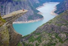 横向挪威美丽如画的trolltunga 图库摄影