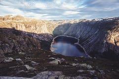 Trolltunga i Norge arkivfoton