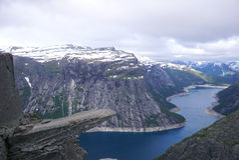 Trolltunga, Zungenfelsen der Schleppangel s, Norwegen Lizenzfreie Stockfotos