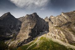 Trollveggen -高山墙壁在欧洲,中间挪威 免版税库存照片