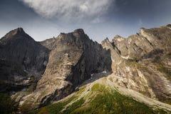Trollveggen - mur de la plus haute montagne en Europe, Norvège moyenne photo libre de droits