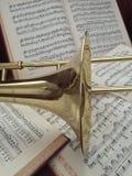 Trombón de cobre amarillo y música clásica 5 Fotografía de archivo