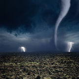 Tromb blixt, jordbruksmark Arkivbilder
