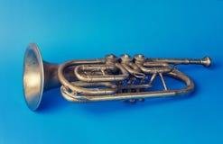 Trombeta dourada velha foto de stock