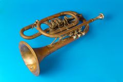 Trombeta dourada velha imagens de stock royalty free
