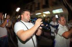 Trombettista dalla fascia folclorica locale di musica Fotografie Stock Libere da Diritti