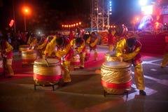 Trommel die in Chinees Nieuwjaar dansen. Stock Foto's