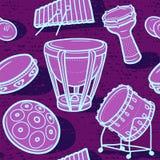 Trommeln eingestellt Musikalischer Hintergrund perkussion Verschiedene Varianten der Farbe sind möglich Lizenzfreie Stockbilder