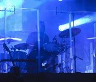 Trommeln während des Konzerts Stockfotografie