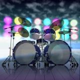 Trommelsatz auf einer Musikstufe Lizenzfreie Stockfotos
