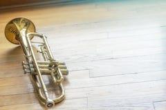Trompet Houten Vloer Royalty-vrije Stock Fotografie