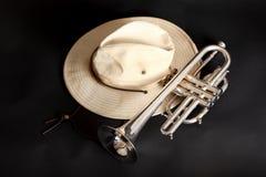 Trompeta y sombrero Fotos de archivo libres de regalías