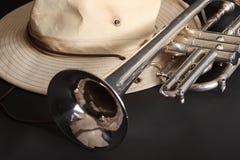 Trompeta y sombrero Foto de archivo libre de regalías