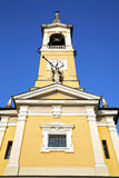 trompetcislago oud abstract Italië de zonnige torenklok Royalty-vrije Stock Foto's