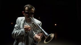 Trompettiste de jazz banque de vidéos