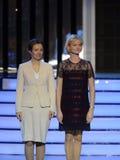 Trompez le champion olympique Svetlana Khorkina et commissaire du président de la Fédération de Russie du côté droit du c Photo stock