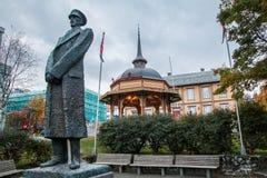 Tromse, Noorwegen Koning Haakon Statue stock afbeelding