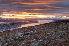 Tromso, Норвегия во время полуночного солнца стоковые изображения