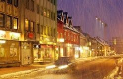 TROMSO, NORUEGA, O 24 DE MAR?O DE 2019: A arquitetura de Tromso, considerou a cidade a mais northernmost no mundo foto de stock